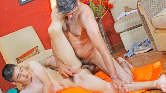 Boy Banged Guissepe Barebacks Jack